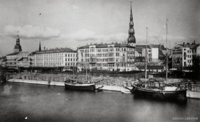 Панорама Риги с Рижским портом на переднем плане, [19-- годы]. Фото www.zudusilatvija.lv