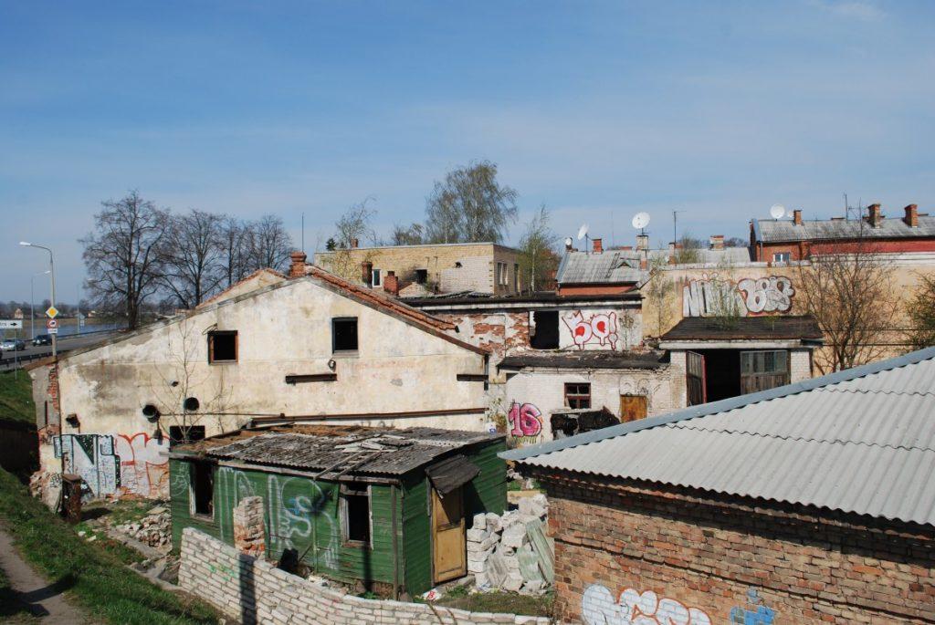 Квартал в районе здания бывшего дома творчества «Дайльраде» в Даугавпилсе. 2009 год. Фото: Елена Иванцова