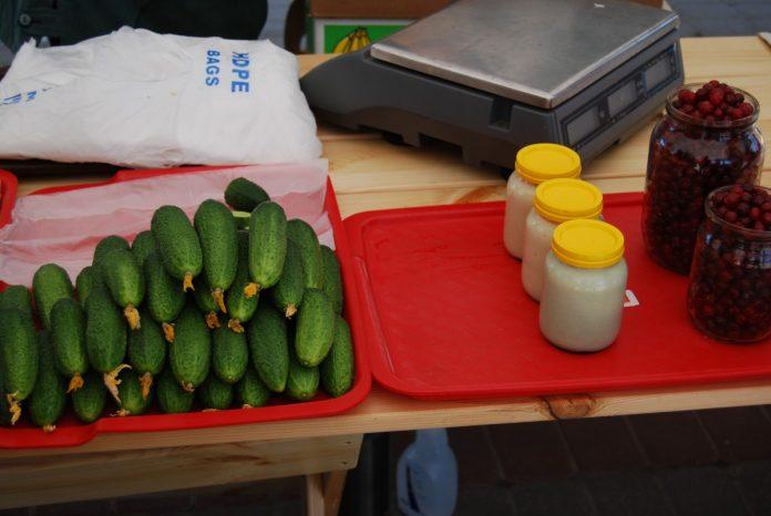 Крестьянский рынок в Даугавпилсе. Фото: Елена Иванцова