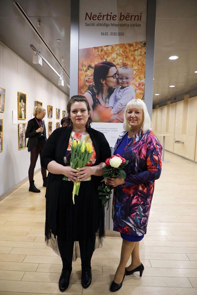 Арита Строде-Клявиня и Ингрида Шмите. Фото: Велга Полинска