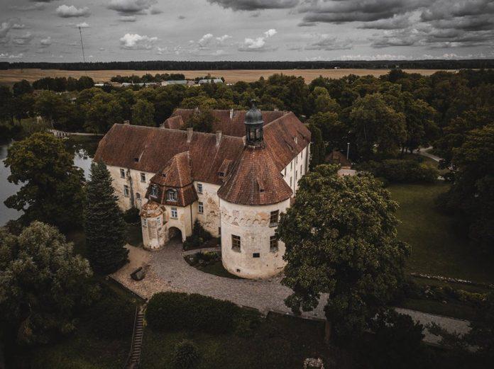 Яунпилсский замок. Фото: jaunpils. lv