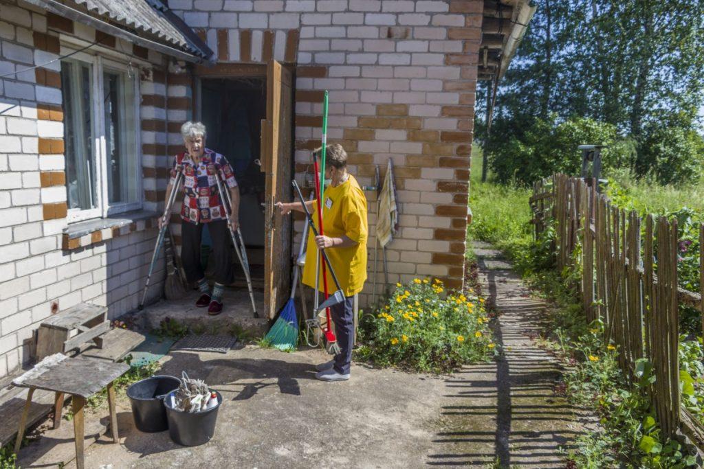 Луция Данчёнок и бригада мобильной помощи Даугавпилсского края. 25 июня 2020 года. Фото: Евгений Ратков