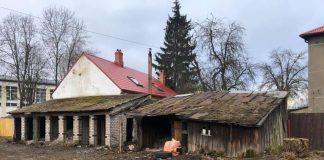 Сараи на ул. Стацияс, 1 в Даугавпилсе. Фото со страницы Игоря Прелатова в фейсбуке