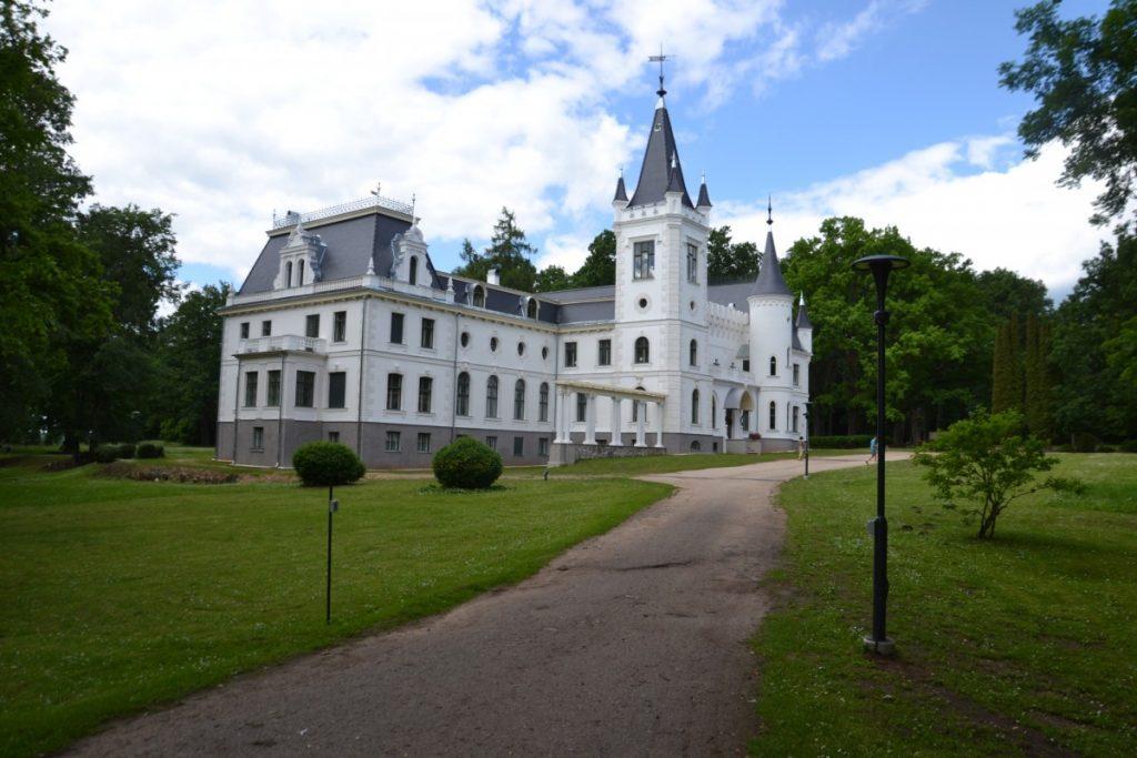 Стамериенский дворец. Фото: Елена Иванцова