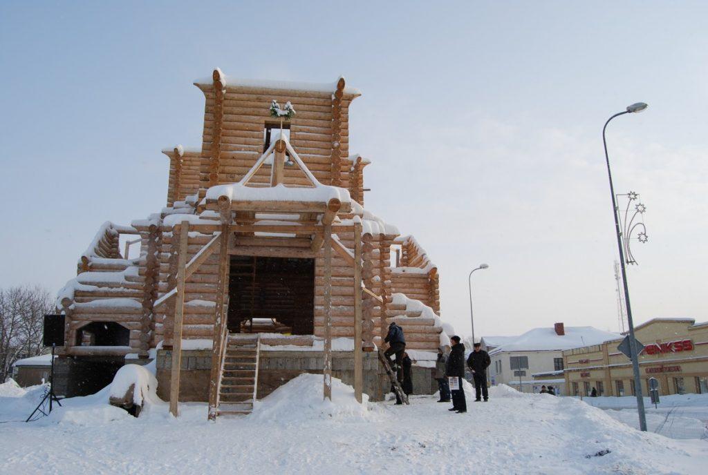 Так выглядел сруб храма в декабре 2012 года. Фото: Елена Иванцова