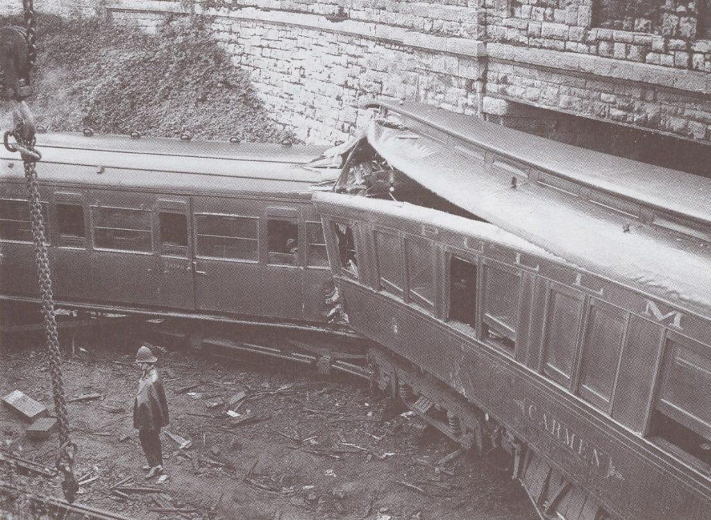 Англия, железнодорожная катастрофа рядом со станцией Seven Oaks. Фото: wikipedia.org