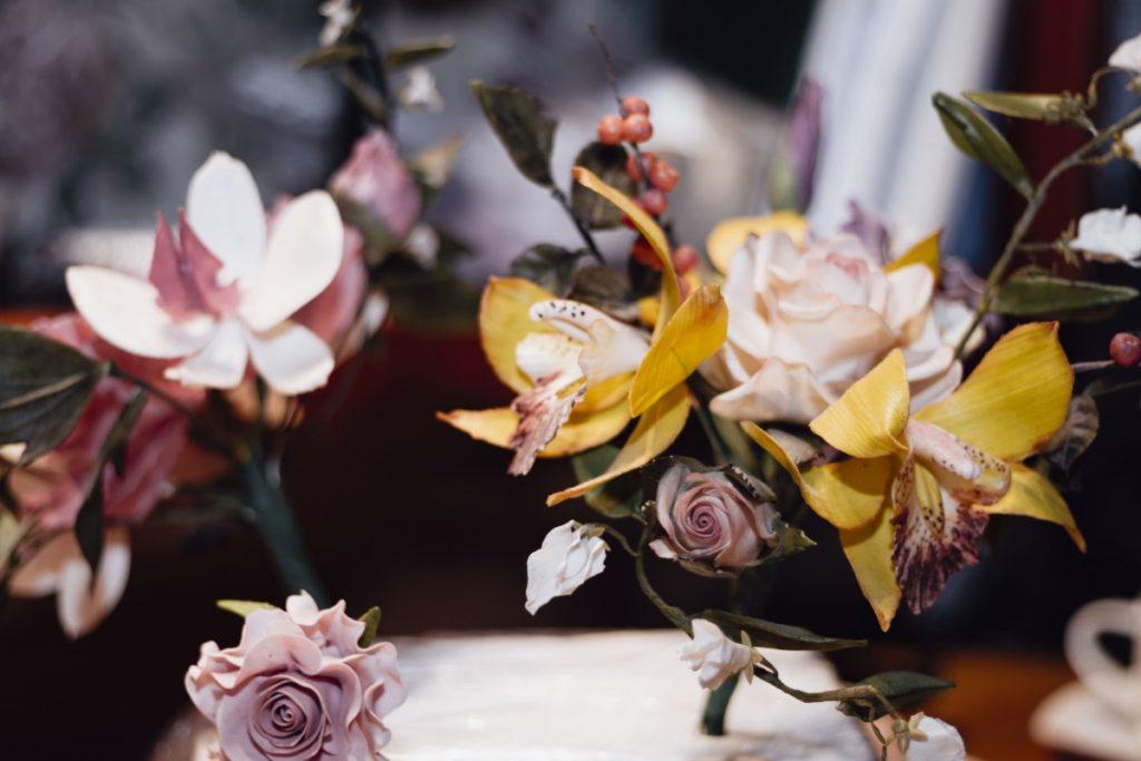 Кондитерские цветы Ингриды Лисовской. Фото: Евгений Ратков