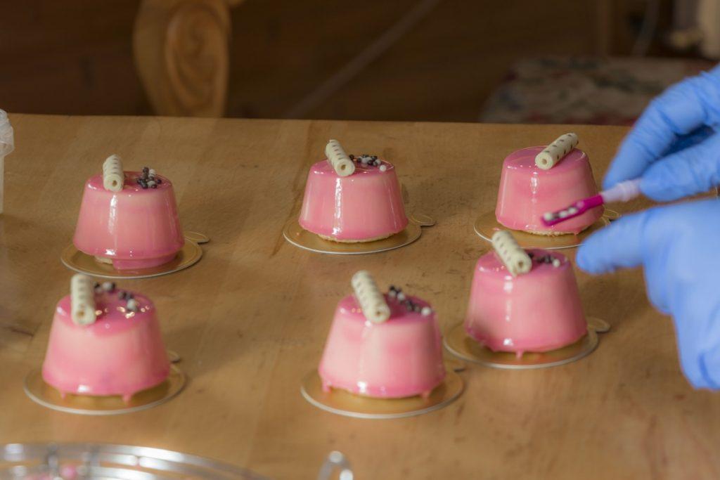 Пирожные Ингриды Лисовской. Фото: Евгений Ратков
