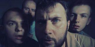 """Кадр из клипа """"Шнурки"""" музыкального проекта """"Вилка"""". Фото со страницы проекта на фейсбуке"""