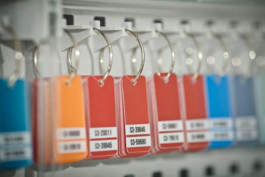 Магазин автоэмалей Autocolorits. Фото: Сергей Соколов