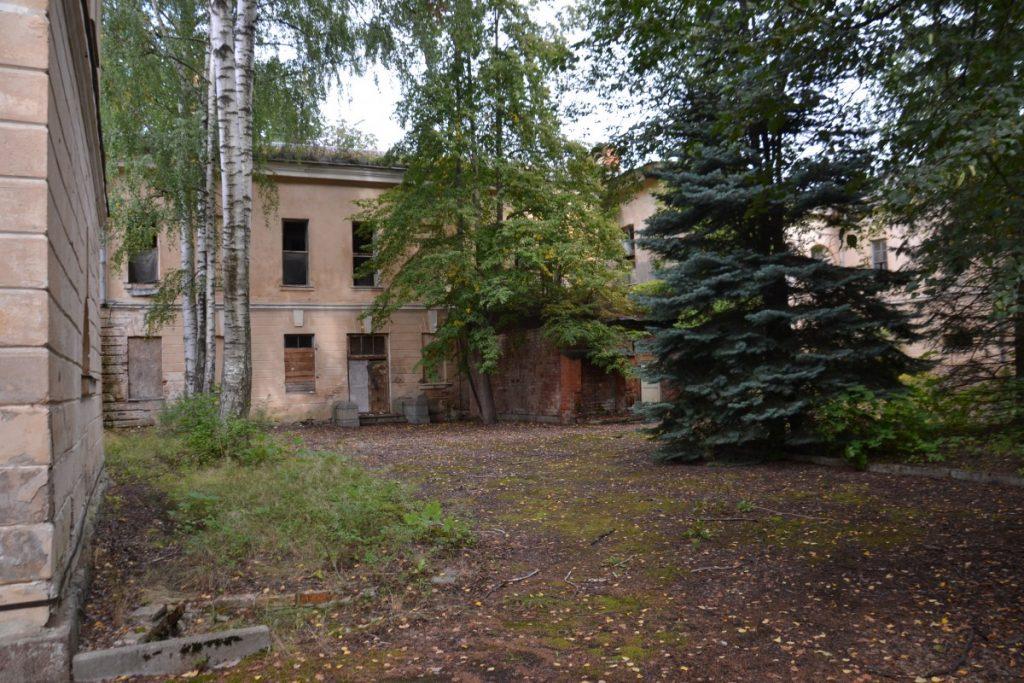 Бывший военный госпиталь на улице Хоспиталю, 6 в Даугавпилсской крепости. 8 сентября 2020 года. Фото: Елена Иванцова