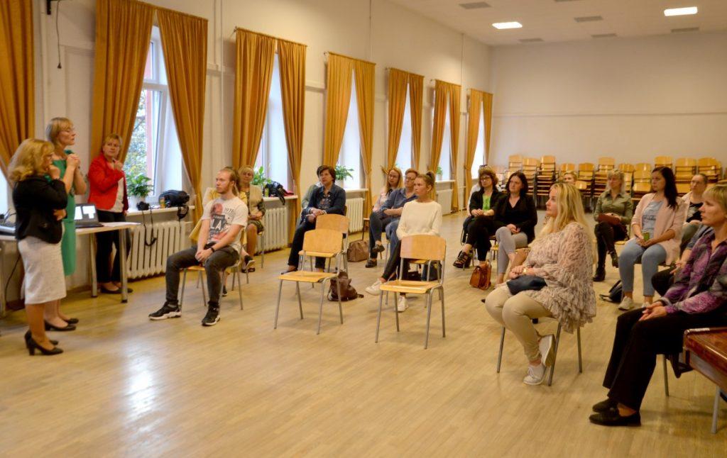 Встреча родителей и специалистов в рамках проекта «В сообществе говорим про образование». Даугавпилс, 24 сентября 2020 года