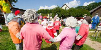 Соломенные куклы в Сабиле. Фото: www.visit.sabile.com