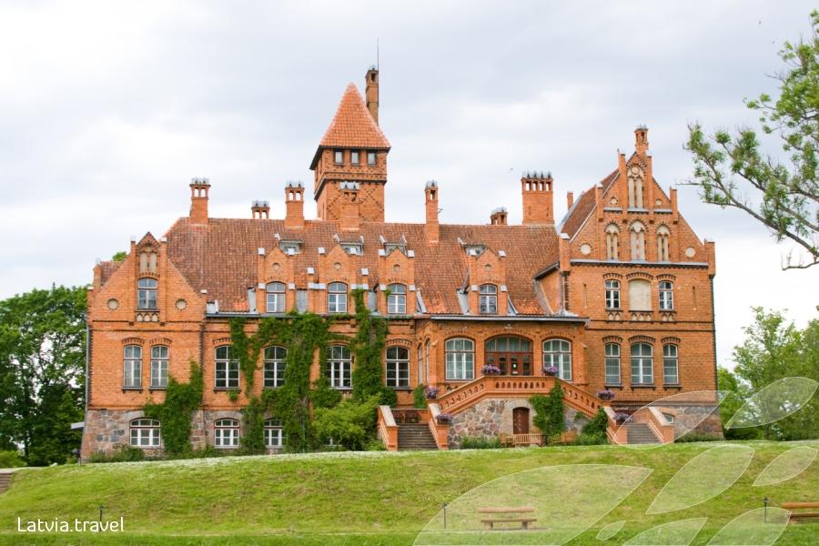 Яунмокский замок. Фото: latvia.travel