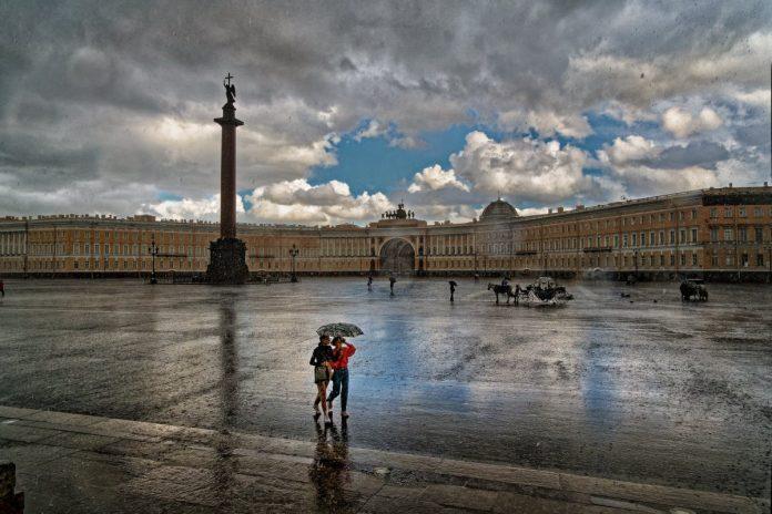 Санкт-Петербург, Дворцовая площадь. Август 2020 года. Фото: Александр Петросян