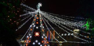Главная даугавпилсская ёлка. Декабрь 2019 года. Фото: Елена Иванцова