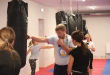 Тренировка по боксу. Тренер Алексей Фатичев