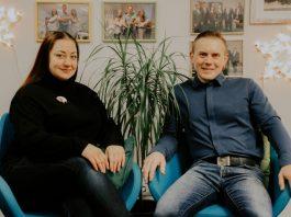 Сергей и Ирина, владельцы производством джемов в маленьких упаковках BonDia