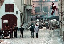 Баррикады 1991 года в Риге. Фото: Борис Колесников, www.latvia.eu