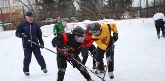 Тренировка хоккеистов на катке в Даугавпилсе. 2 февраля 2021 года. Фото: Сергей Кузнецов