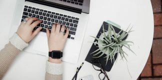 Ноутбук. Изображение StockSnap с сайта Pixabay