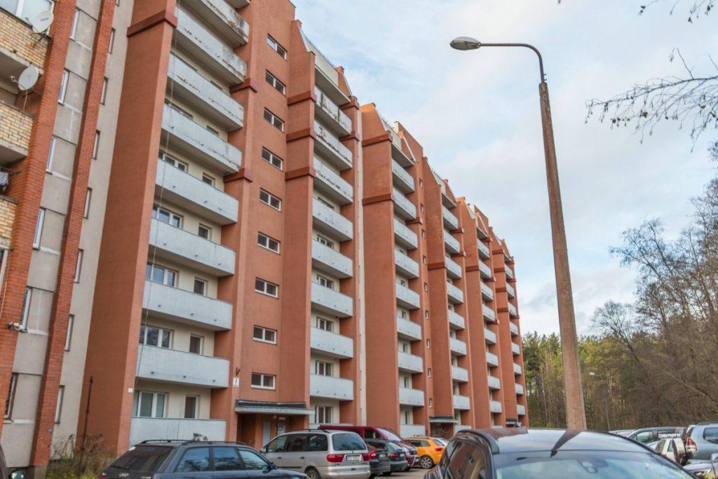 Здание по ул. Гайсмас, 7 в Даугавпилсе. 19 ноября 2020 года. Фото: Евгений Ратков
