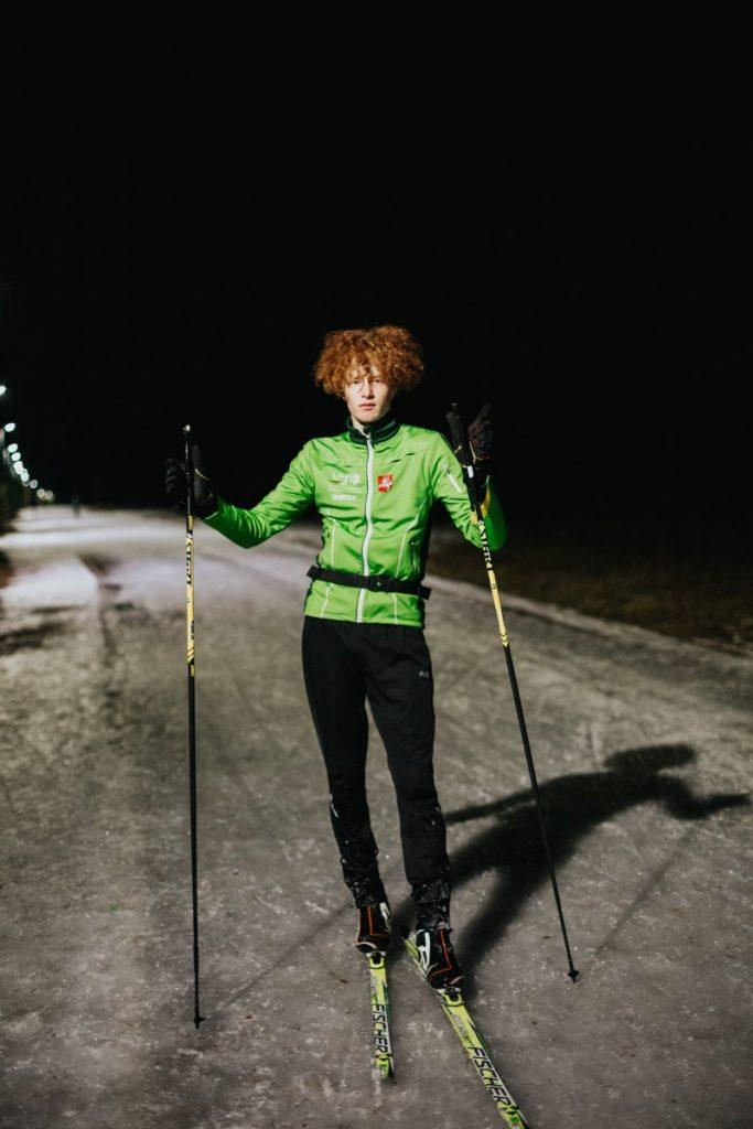 Илья Зилис во время одной из тренировок. Биатлонист. Участвует в зимнем школьном фестивале