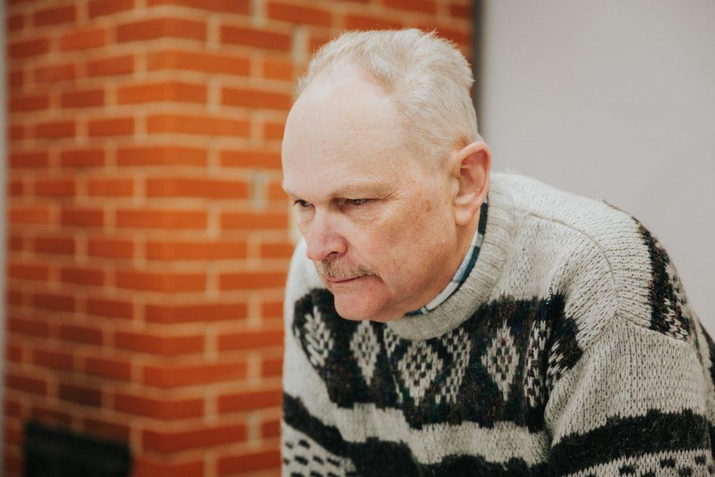 Олег Терентьев. Магазин MaxOil в Даугавпилсе. Фото: Ирина Маскаленко