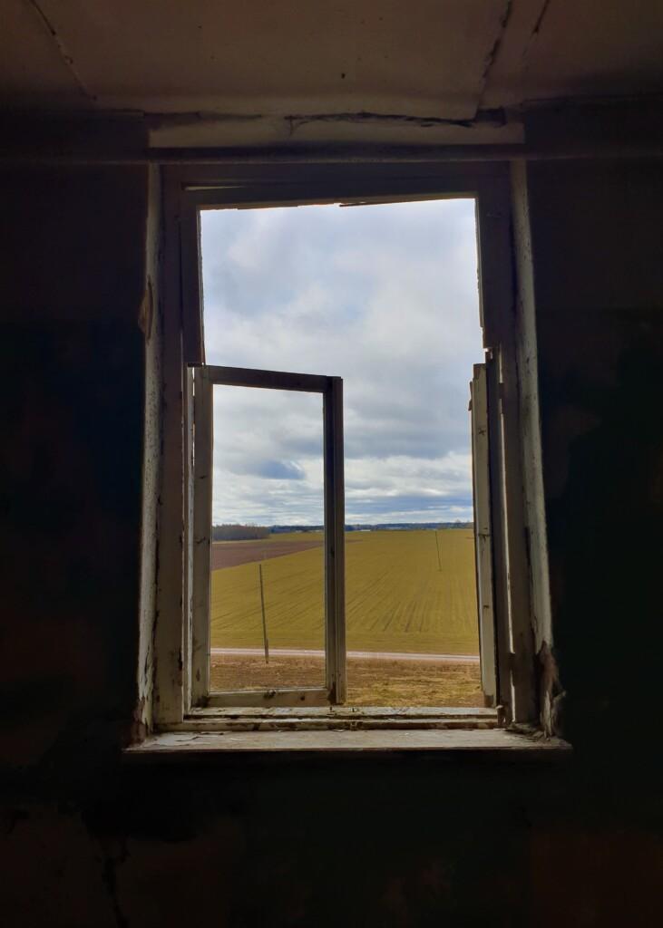 Заброшенная школа в Гренчи. Фото: Ксения Савчук