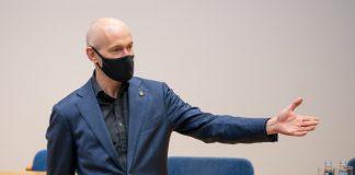 Даниэль Павлютс в Даугавпилсской думе. 6 мая 2021 года. Фото: Андрей Емельянов