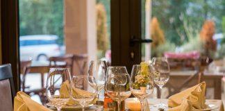 Ресторан. Изображение Nenad Maric с сайта Pixabay