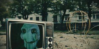 """Скриншот с видео Анастасии Фёдоровой """"Страшные детские площадки Риги"""""""
