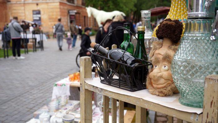 Блошиный рынок в Даугавпилсской крепости. Фото: Daugavpils pilsēta