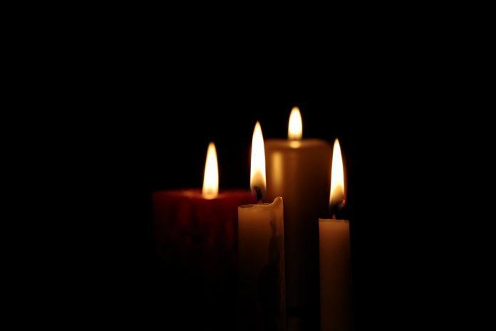 Свечи. Иллюстративное изображение Henryk Niestrój с сайта Pixabay