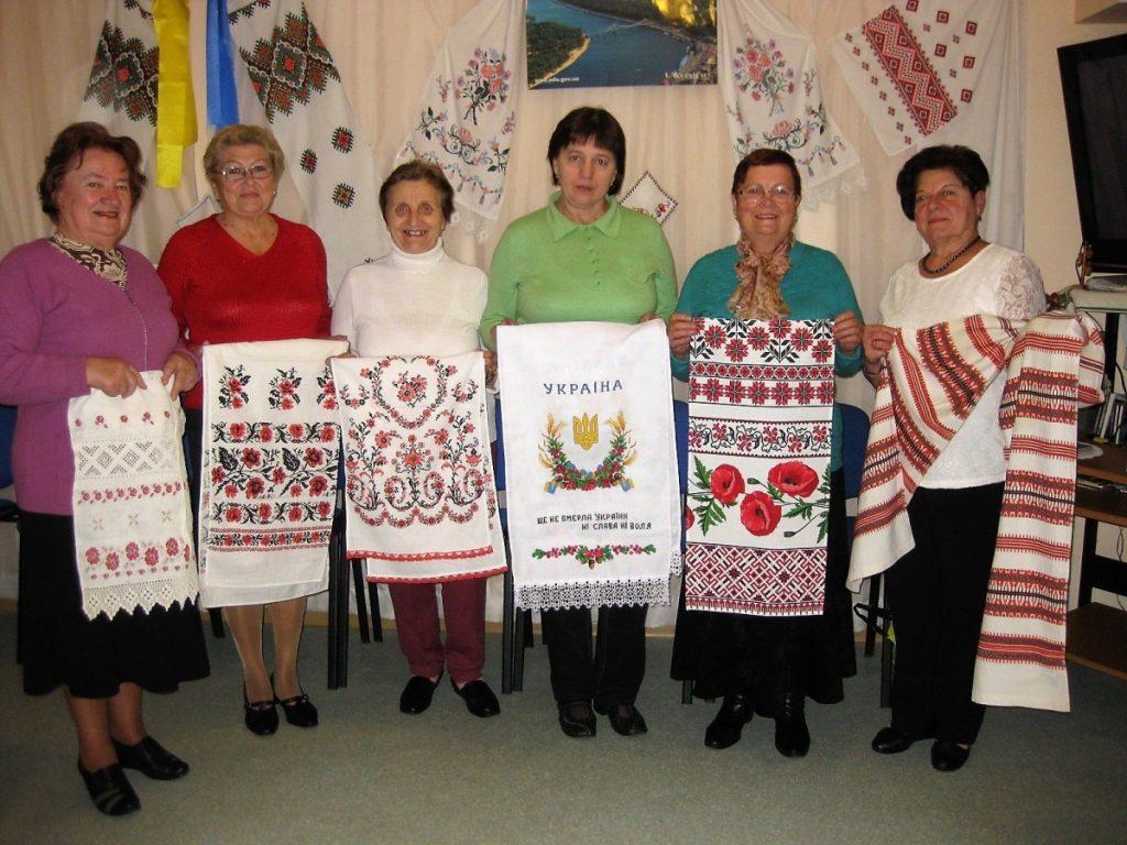 Украинские вышиванки. Фото из архива Надежды Стаховской