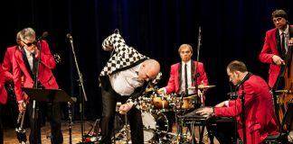 5 августа в 19:00 в рамках музыкального августа в Даугавпилсе во дворике школы Саулес (ул. Саулес, 8) пройдёт концерт Big Al & The Jokers. Фото со страницы группы на фейсбуке
