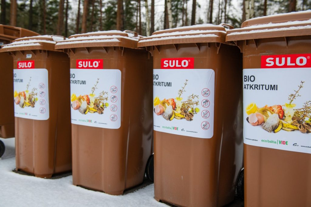 Контейнеры для биоотходов. Фото: ecobaltiavide.lv