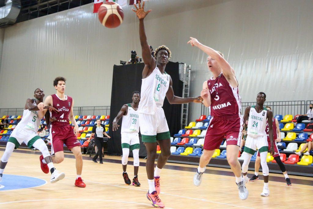 Латвия - Сенегал. 1/8 чемпионата мира U19. Даугавпилс, 7 июля 2021 года. Фото: Сергей Кузнецов