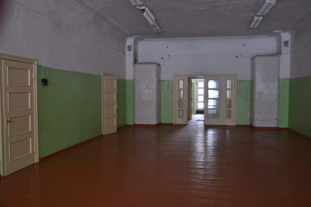 Спортивный и актовый зал в бывшей Межциемской школе. 26 июля 2021 года. Фото: Елена Иванцова