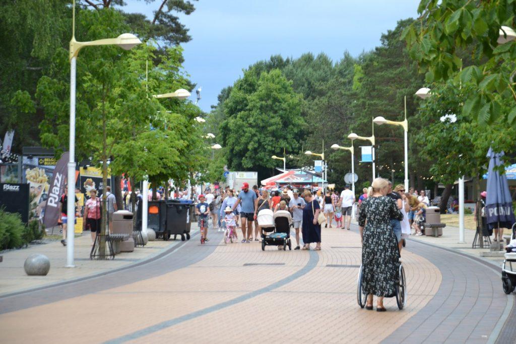 Улица Басанавичяуса в Паланге. Июль 2021 года. Фото: Елена Иванцова