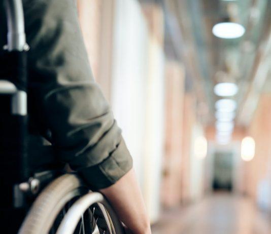 Инвалидная коляска. Фото автора Marcus Aurelius: Pexels