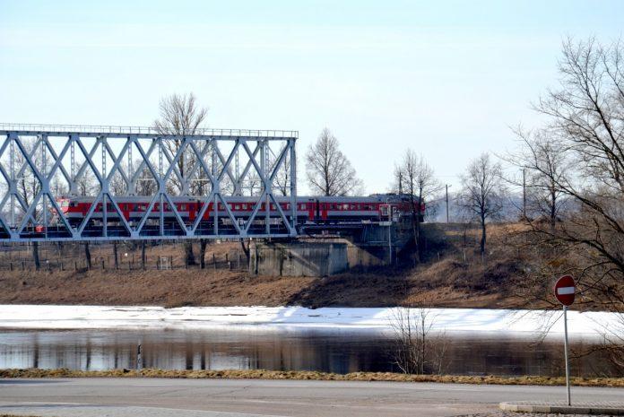 Поезд Даугавпилс - Вильнюс. Март 2018 года. Фото Елены Иванцовой