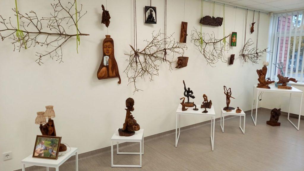 Выставка Олега Слепкова «Природа и фантазия».Фото: lcb.lv
